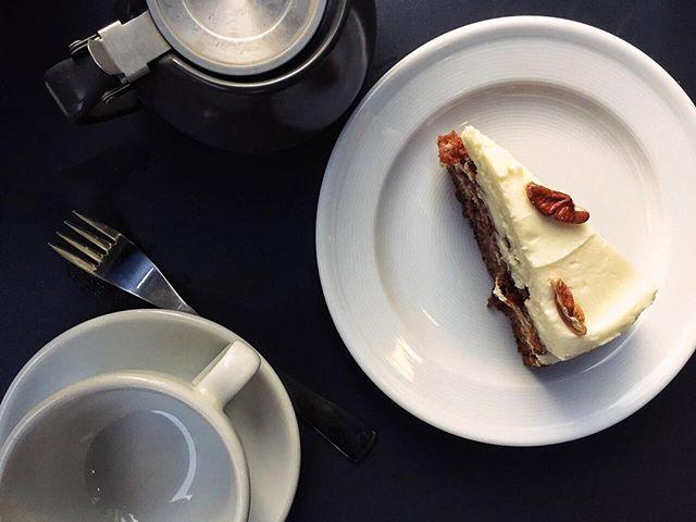 Carrot cake & tea @lafromagerieuk.