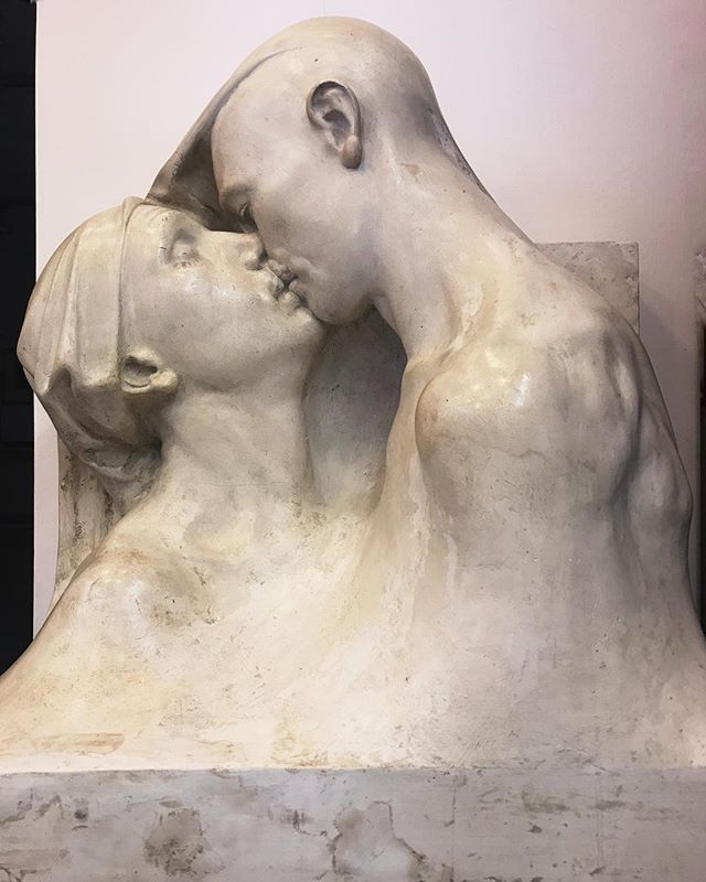 'The kiss' by Francesco Ciusa at the Galleria Comunale D'arte.
